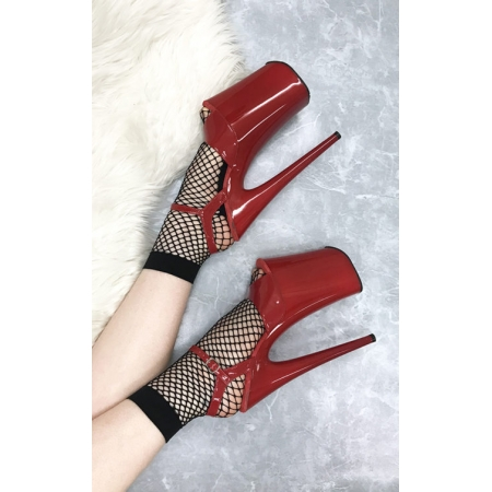 Lunalae Fishnet Ankle Socks